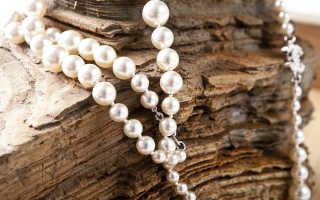 Украшения из жемчуга: как правильно выбрать и с чем носить?