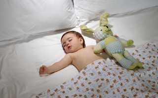 Как научить ребёнка спать в своей кроватке