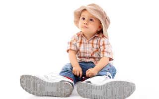 Как выбрать обувь для маленького ребенка?