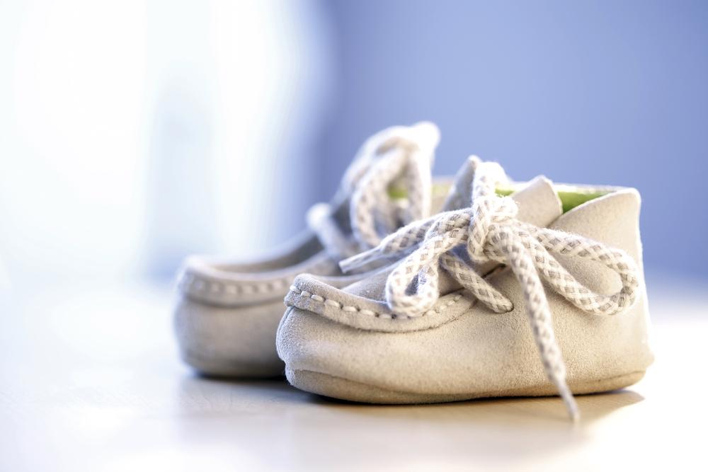детская обувь со шнурками