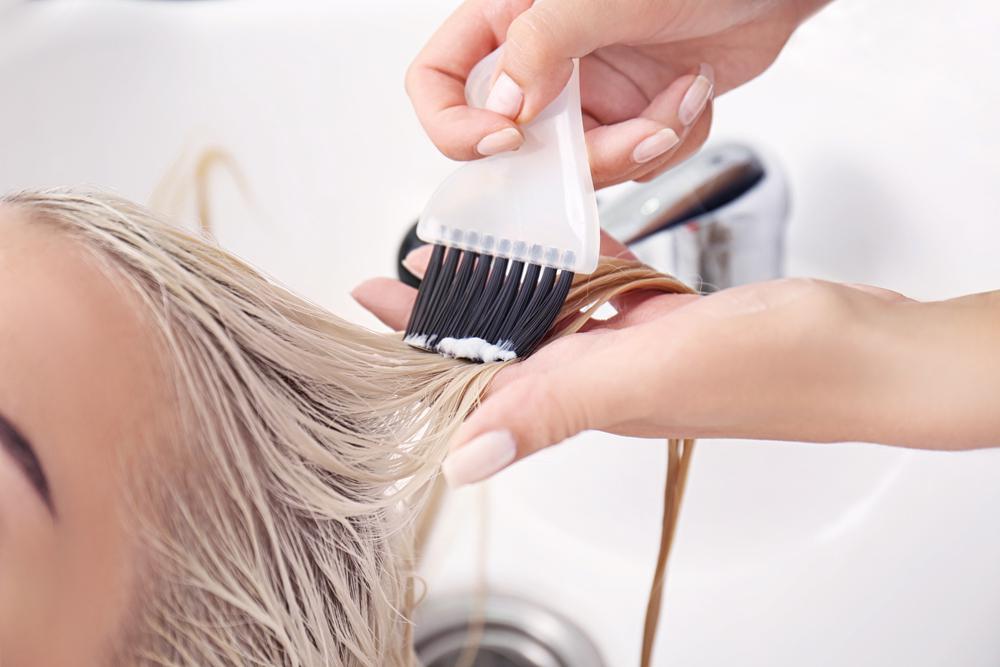 процесс экранирование волос
