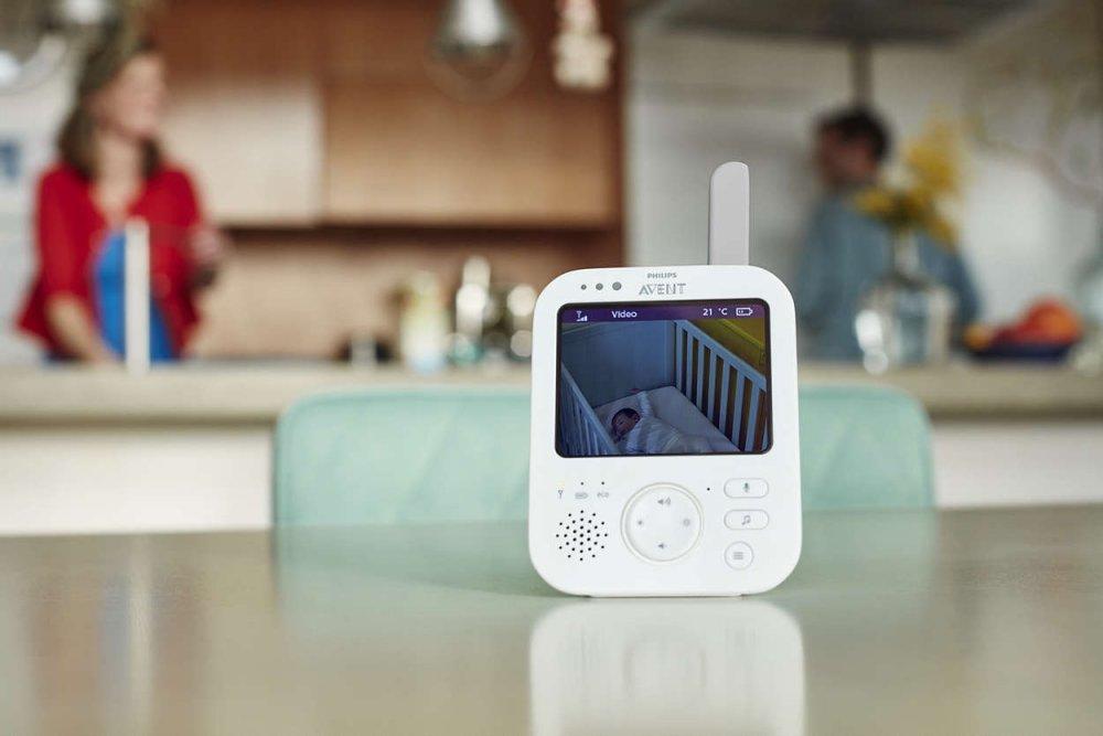 передачик видеоняни на кухне