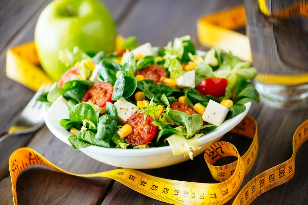 овощной салат с помидором