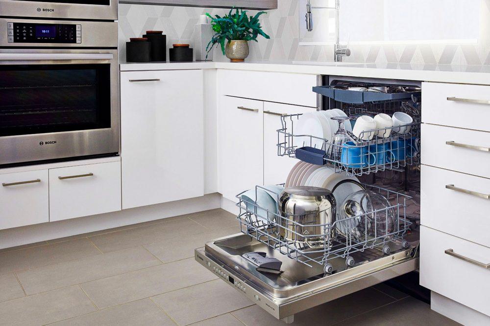 открыли посудомоечную встроенную машину