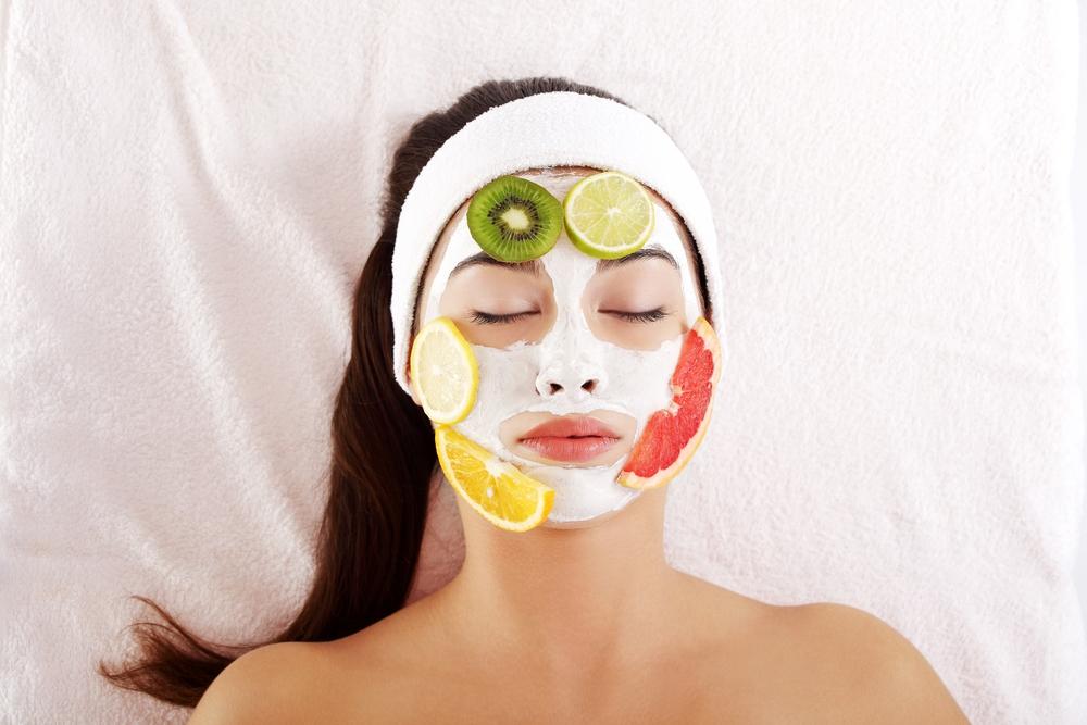 питательные маски из фруктов на лице