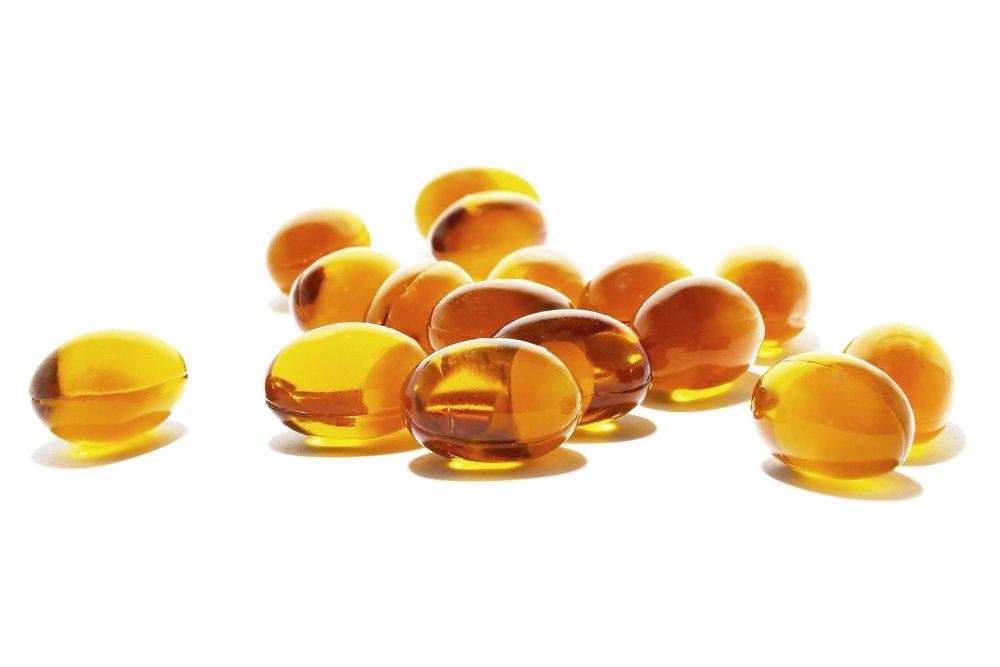 витамин F в желтых капсулах