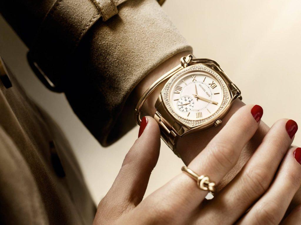 золотые женские часы с браслетом