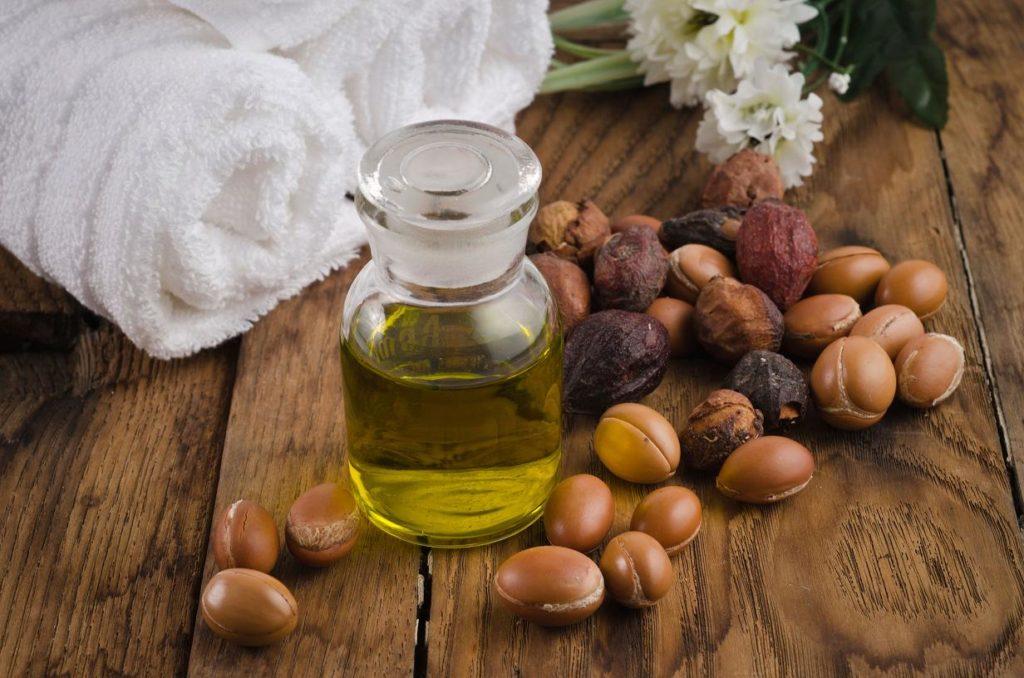 Аргановое масло для волос как использовать? Масло арганы для волос: полезные свойства, применение